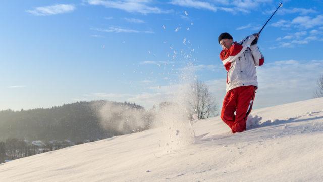 【ゴルフパンツ冬のおすすめ10選】寒さ対策には暖かさ抜群の中綿入りが人気!