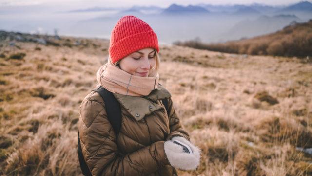 【充電式カイロおすすめ10選】冬ゴルフの防寒対策だけでなく充電も!