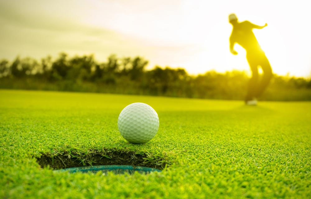 【ゴルフボールの通販】選び方や関連ルール、おすすめまでおまとめ!